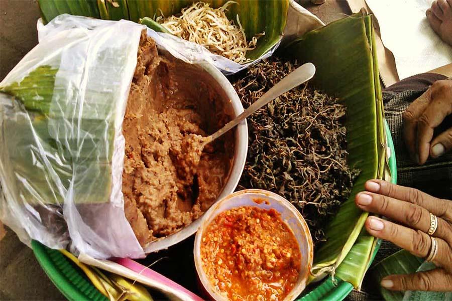 Pecel Semanggi khas Surabaya