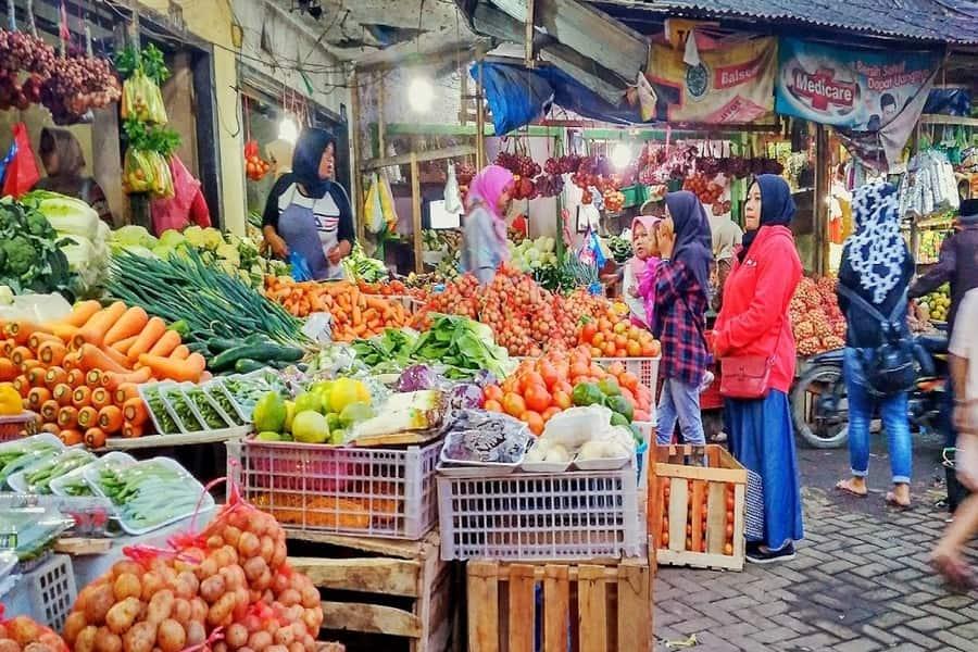 pasar buah dewi sri