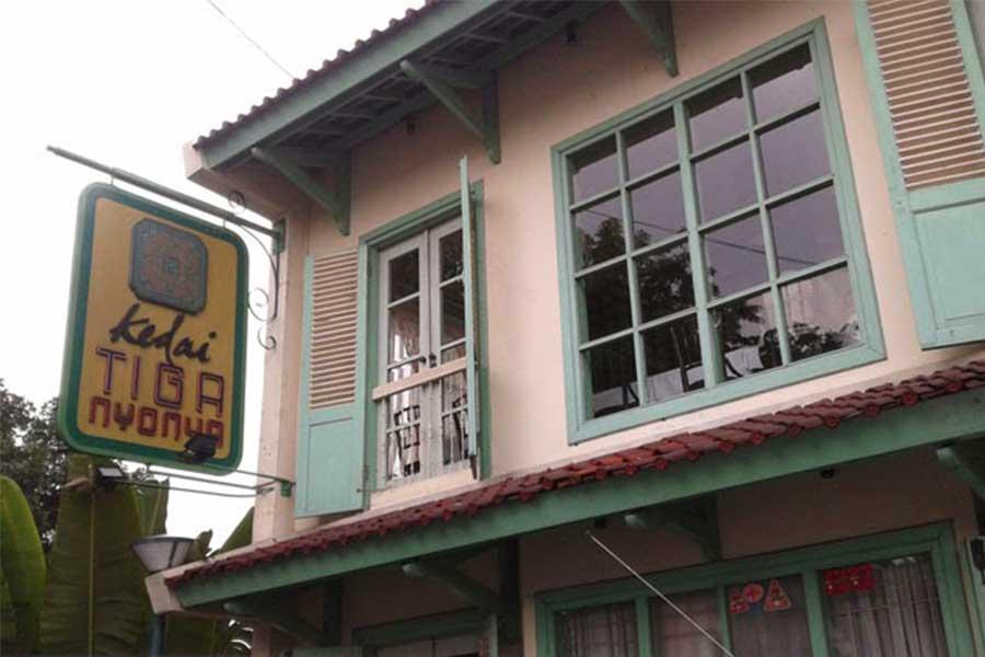 Kedai Tiga Nyonya Tempat Makan di Palembang