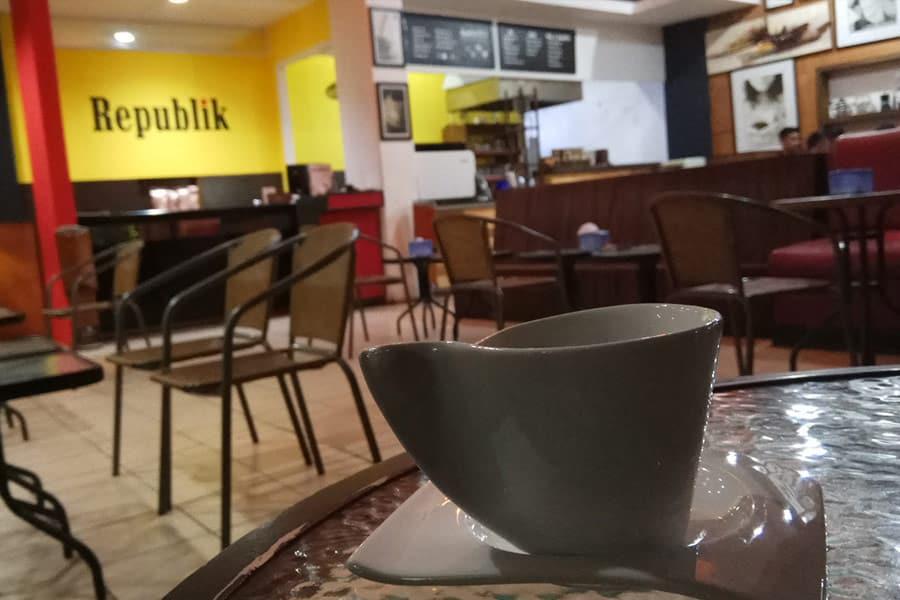 Republik Cafe Samarinda
