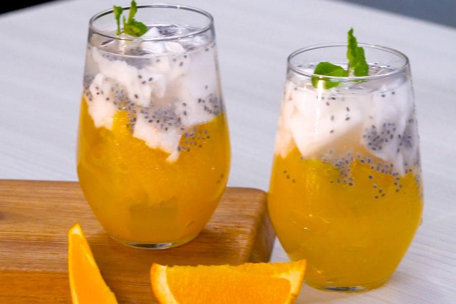 menu takjil es jeruk kelapa muda